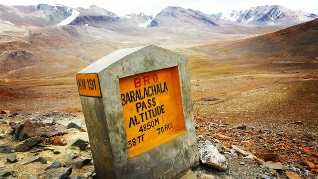 Ladakh Bike Trip Baralacha La Pass
