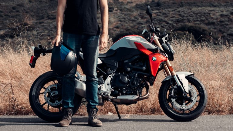 Read more about the article A Complete Guide to Beginner Motorcycle Boots