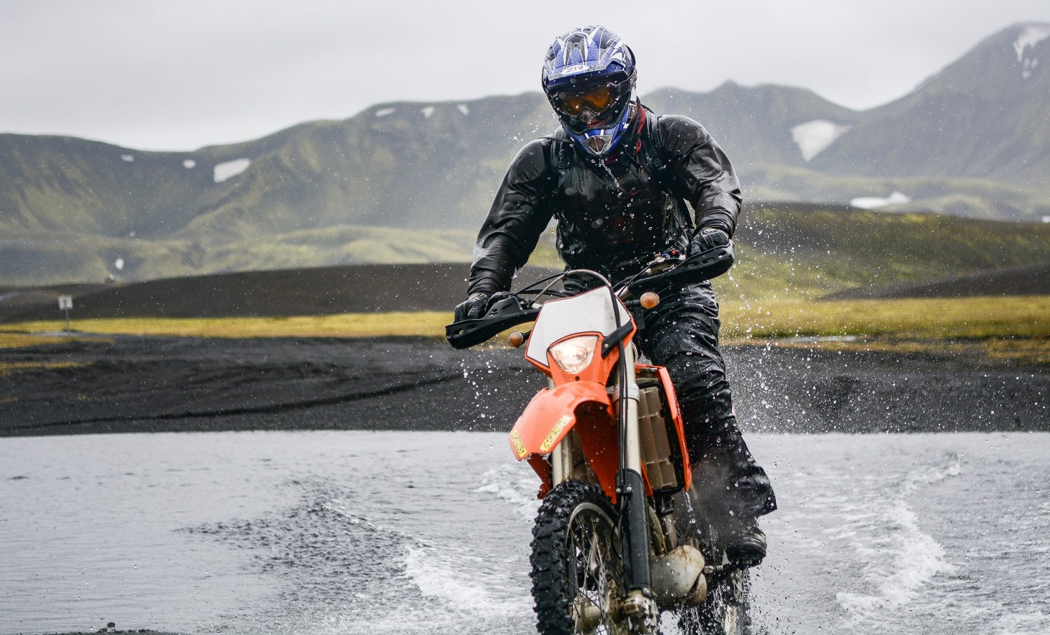 Read more about the article Beginner motorcycles for tall riders