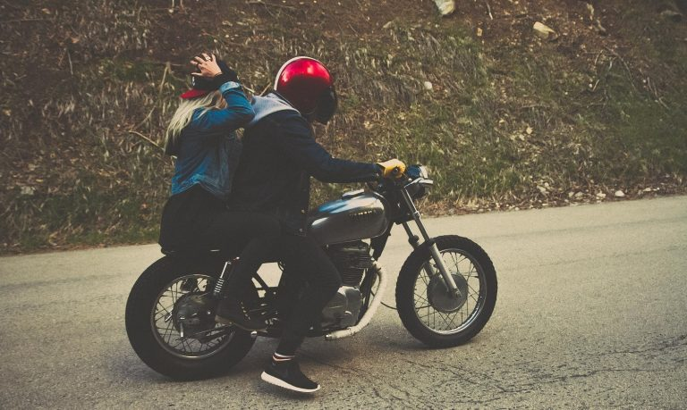 Read more about the article How to protect your hair while riding a motorcycle
