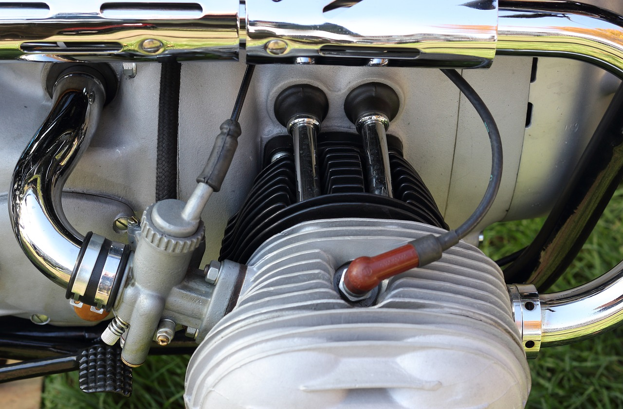 Read more about the article How to tell if the motorcycle engine is running lean or rich?
