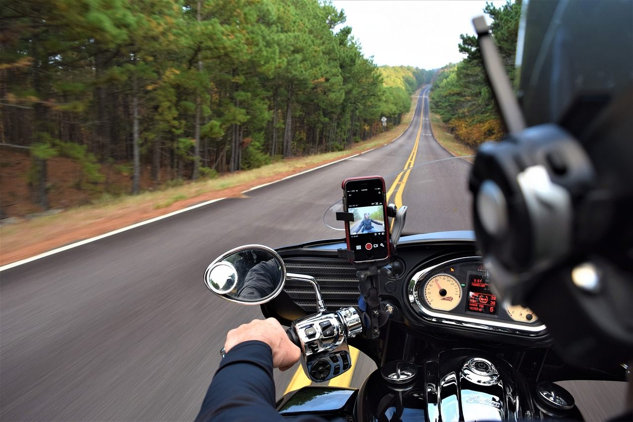 Read more about the article How to install USB charger on motorcycle