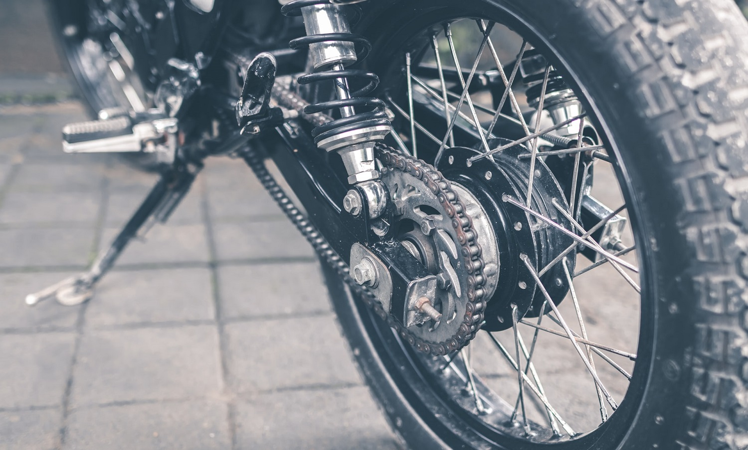 Read more about the article How To Clean Your Motorcycle Chain
