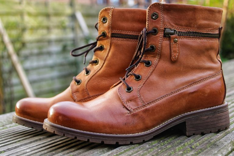 Read more about the article Motorcycle Boots for Short Riders