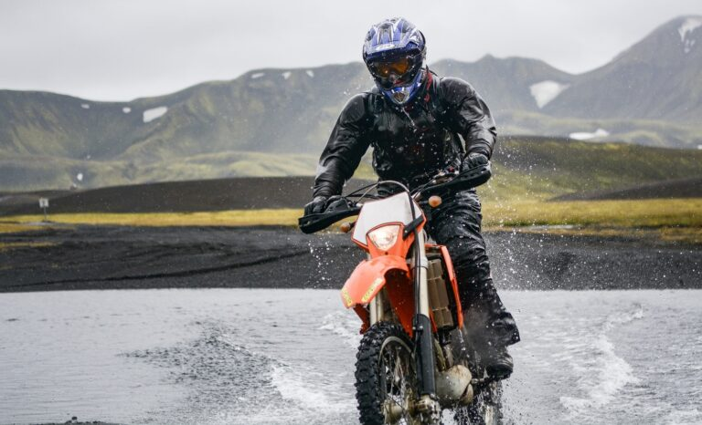 Read more about the article Best waterproof motorcycle riding pants for beginners